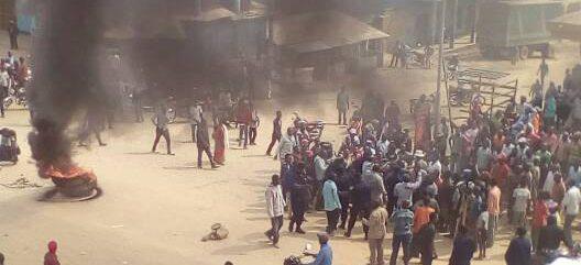 Affrontement entre la police et des manifestations en Ituri