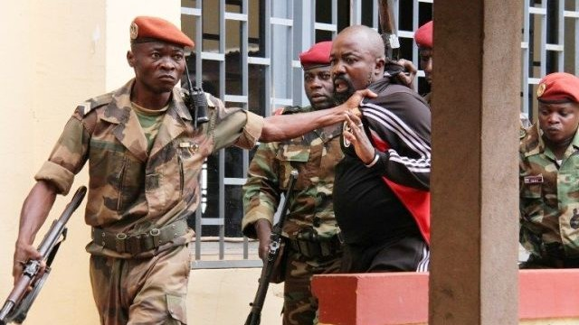 Alfred Yekatom de la milice « anti-Balaka » accusé de crimes contre l'humanité et crimes de guerre