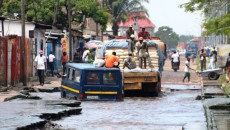 L'avenue Bongolo défectueuse à la hauteur de l'Université Kimbanguiste dans la commune de Kalamu à Kinshasa, le 08/05/2017. Radio Okapi/Ph. John Bompengo