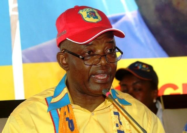 Evariste Boshab, secrétaire général du PPRD,  lors de la clôture du 2ème congrès de son parti politique le 21/08/2011 au stade des martyrs à Kinshasa. Radio Okapi/ John Bompengo