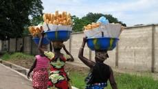 Des vendeuses de pain à Kinshasa
