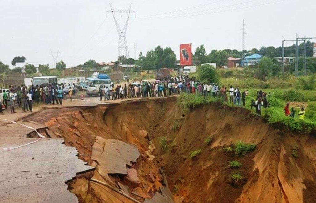 Erosion de la Nationale n°1 au niveau de Mitendi