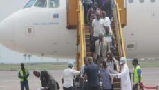 Go-pass Un contrôle des passagers par les agents sanitaires de la RVA