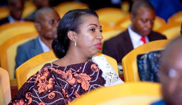Jeanine Mabunda Assemblée nationale en session extraordinaire