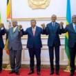Les présidents Sassou, Museveni, Lourenço, Kagame et Tshisekedi, main dans la main hier à Luanda