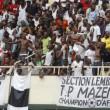 Les supporters de DCMP soutiennent la victoire de TP. Mazembe le 29/09/2011 au stade des Martyrs à Kinshasa. Radio Okapi/ Ph. John Bompengo