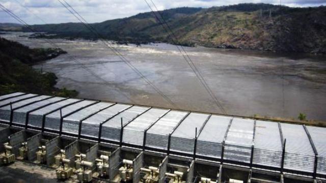 barrage d'Inga sur le fleuve Congo.