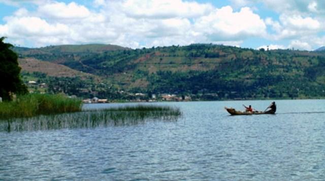 Une pirogue sur le lac Kivu