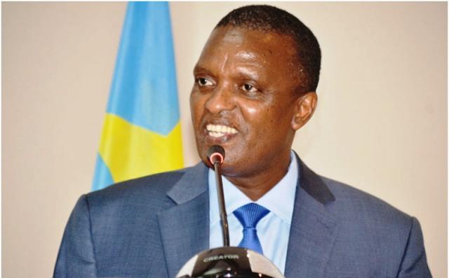 ministre d'Eta ministre de la Décentralisation et Réformes Institutionnelles a annoncé Azarias Ruberwa photo prise par Erick Ks